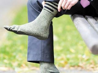 Stokin Perlindungan Swiss direka tanpa kasut dan selesa untuk jari kaki si pemakai.