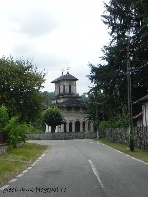 Biserica veche din Maldaresti