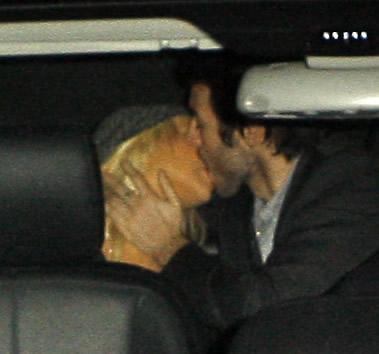 CHRISTINA AGUILERA MATTHEW RUTLER KISSING HARDLY BACKSEAT CAR