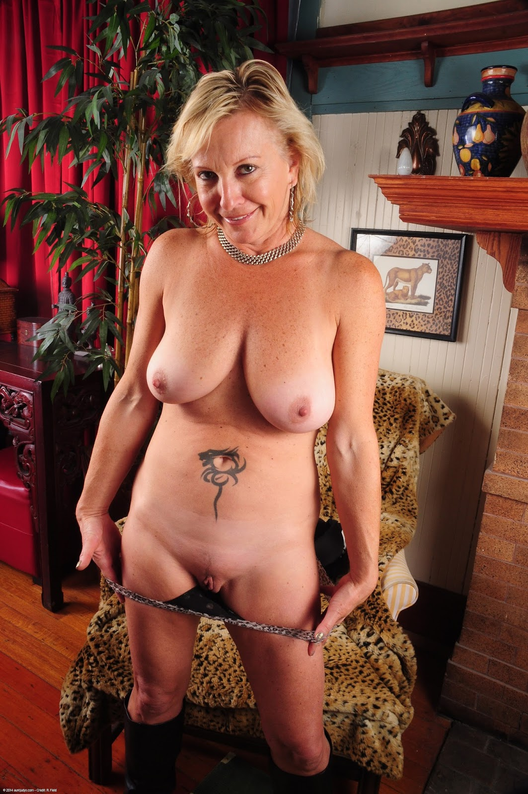 53 years housewife with 21 years toyboy - 1 5