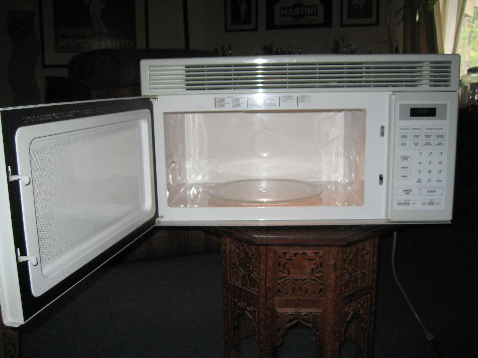 Old fashioned microwave oven 45