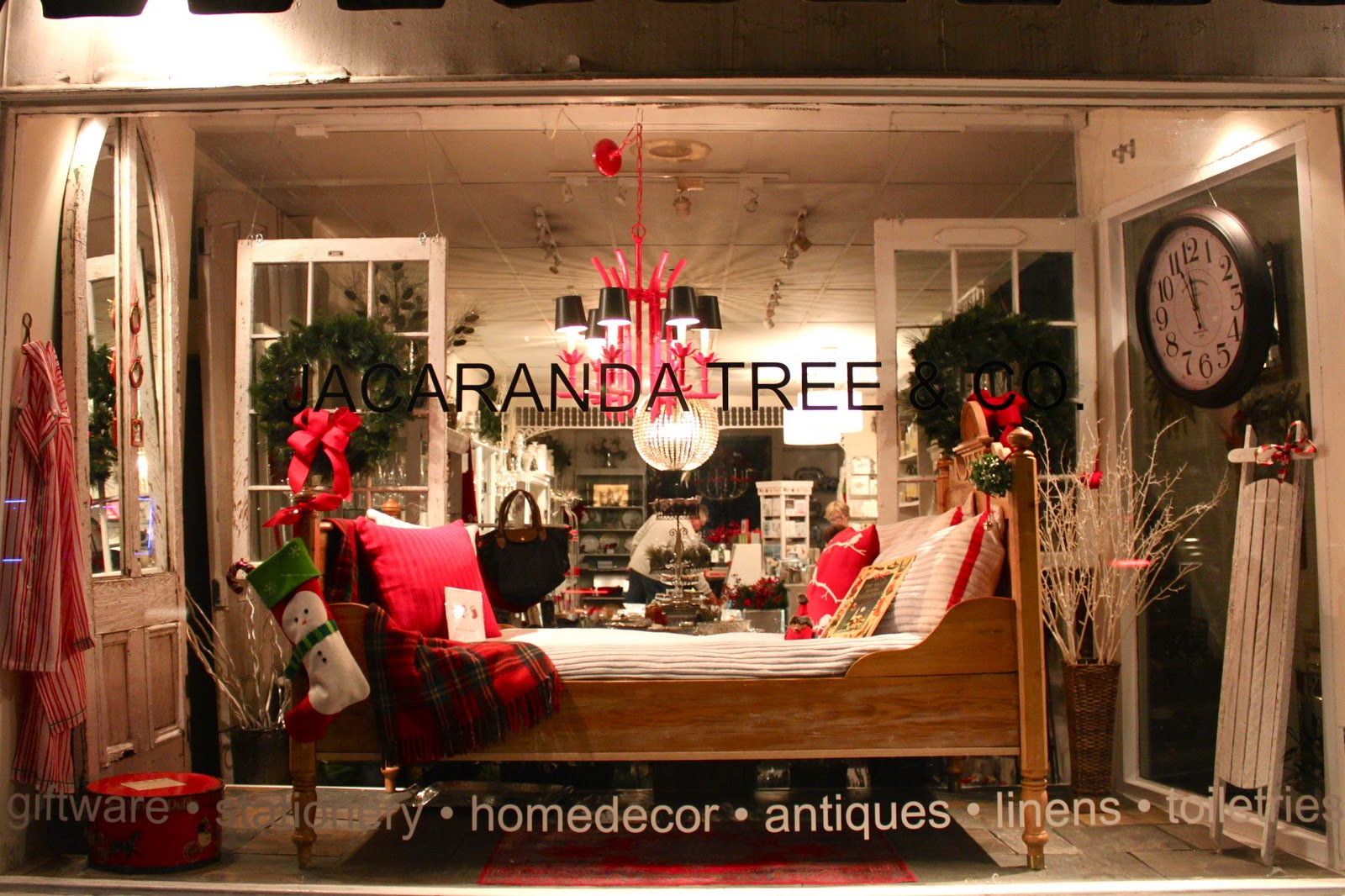 Sara Russell Retail What A Cozy Christmas Window