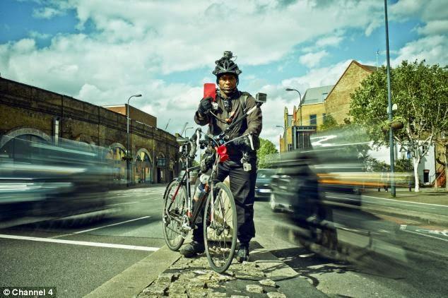 Ciclista Traffic Droid Lewis Dediare com Sete Cameras no Corpo