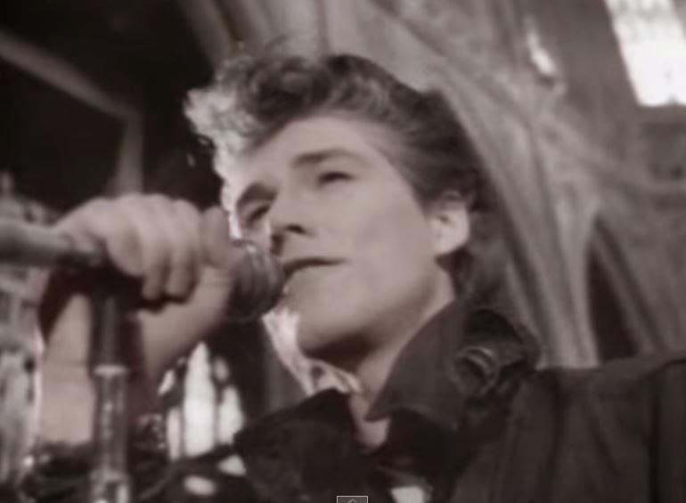 videos-musicales-de-los-80-a-ha-the-sun-always-shine-on-tv