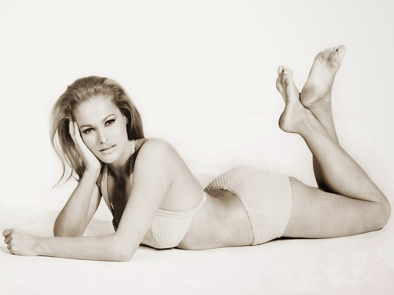 Ursula Andress 1280x800 Wallpapers on chevy logo