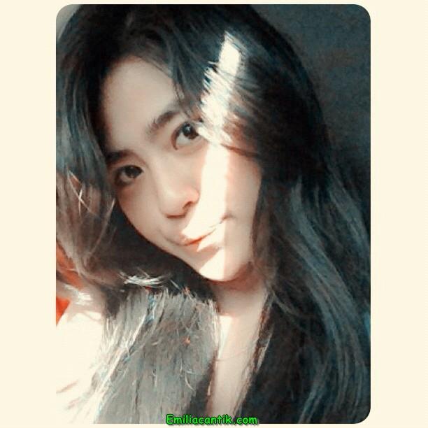 Ngintip CD Cewek SMA Mulus Part 1 (Dewi)