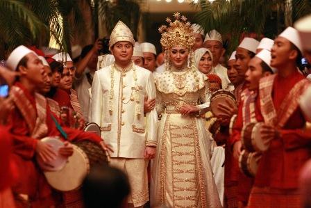 Busana+Pengantin+Wedding+Pre+Wedding+Dian+Pelangi+6.jpg