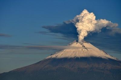 Volcán Popocatepetl en erupción 19 de Octubre 2012