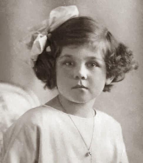 Friederike Luise Thyra Victoria Margarita Sophia Olga Cecilia Isabella Christa Prinzessin von Hannover, Herzogin zu Braunschweig-Lüneburg