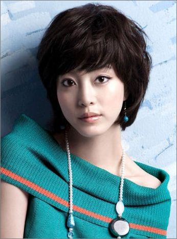 Style rambut pendek artisa korea