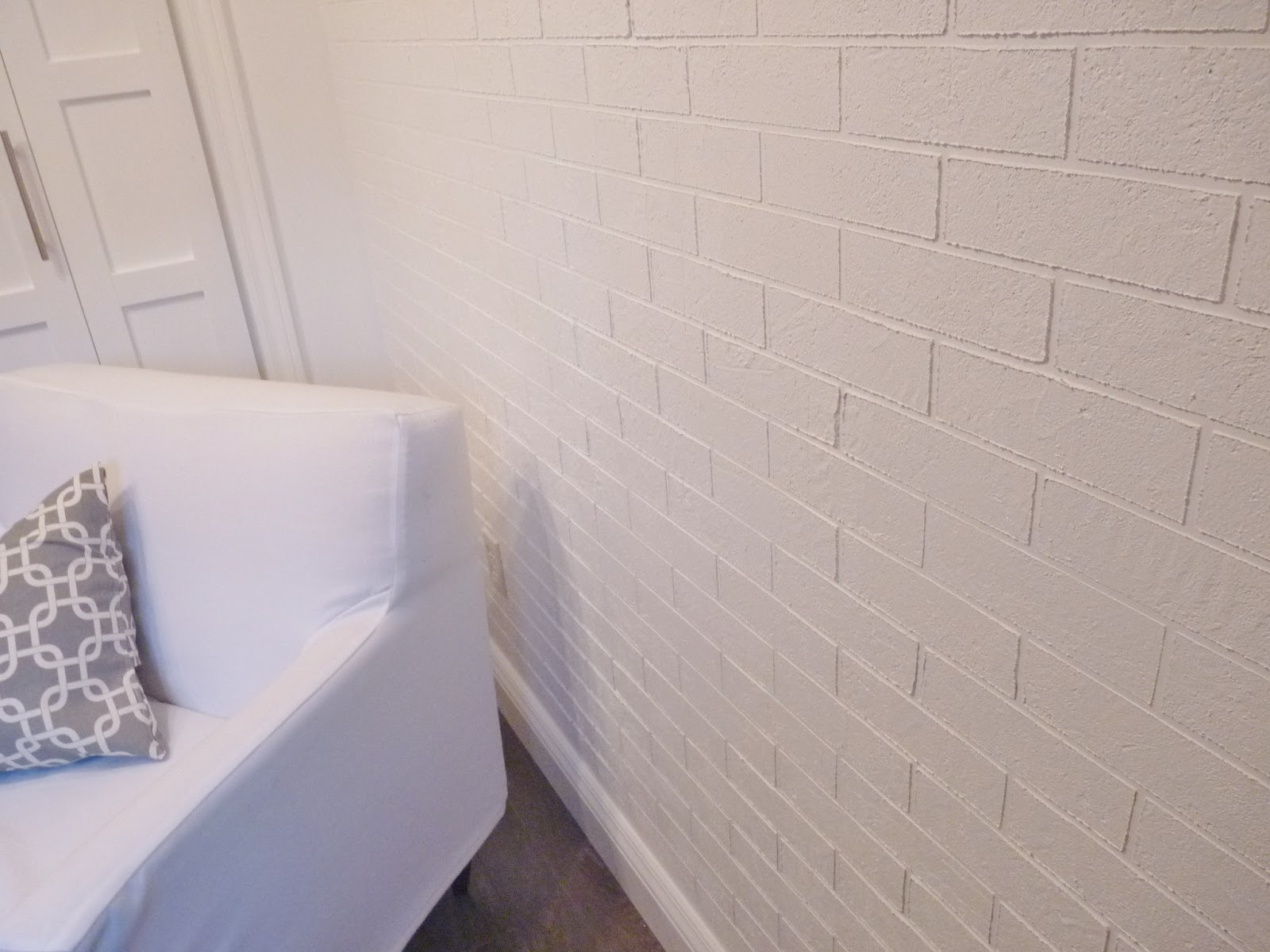 D i y d e s i g n how to make a faux exposed brick wall paint your faux brick wall with 2 coats of paint allowing paint to dry in between coats allow final coat to dry and remove tape from any electrical outlets amipublicfo Images