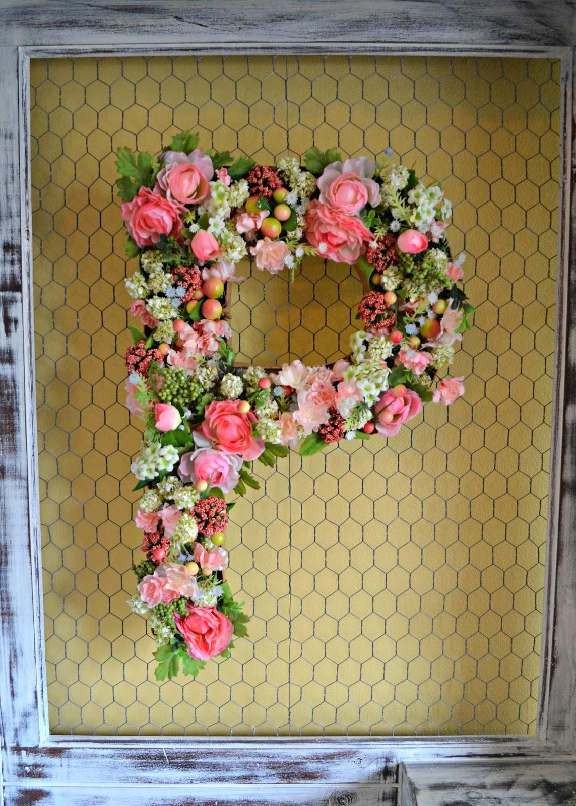 The Domestic Doozie: DIY Flower Monogram