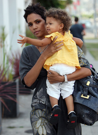 halle berry baby pictures nahla 2010. halle berry baby pictures