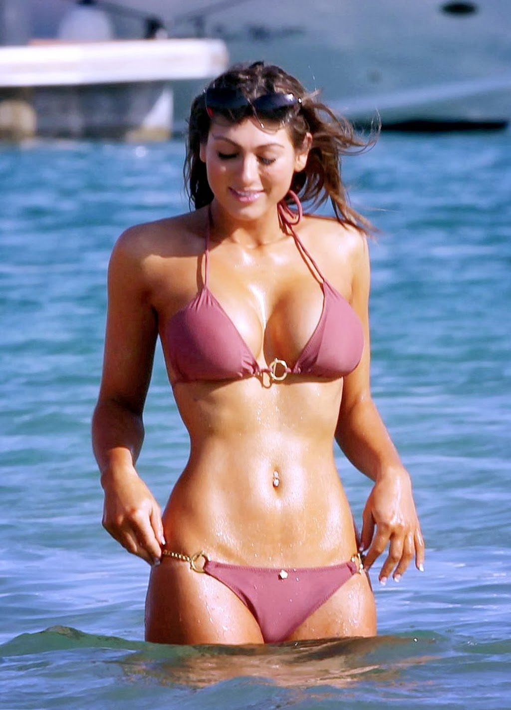 Luisa Zissman showing off her bikini body on a beach in Dubai