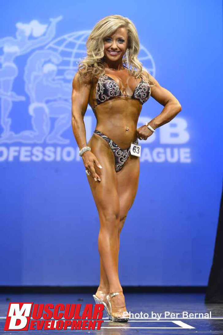 Angelica Nebbia Posing Her Fit Physique At The 2012 New York Pro Championships