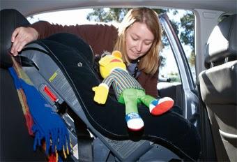 comment choisir et installer le siège auto pivotant de votre enfant