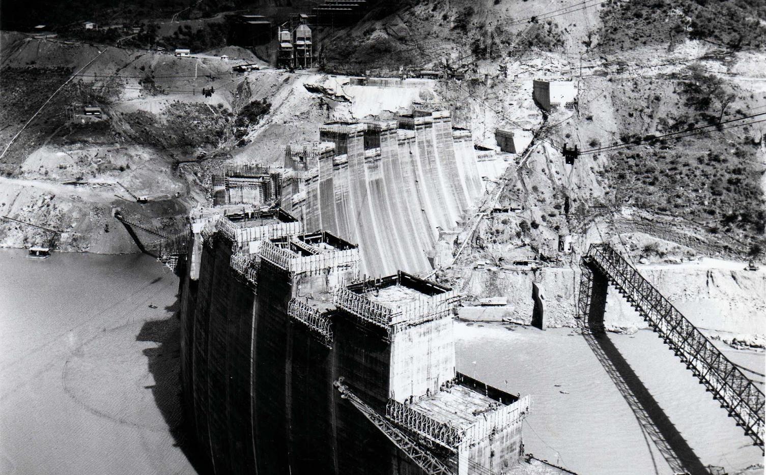 Construction of the Kariba dam wall - 1958