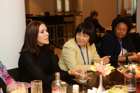 Crown Princess Mary also visits the women's shelter and crisis centre of the Rosa Manus in Leiden