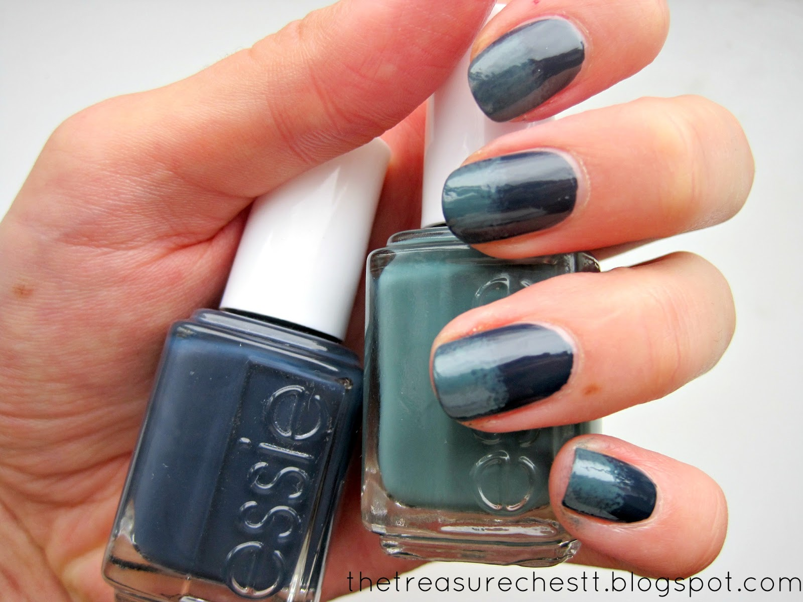 The Treasure Chest: Monday Blues : The Essie Gradient Nails