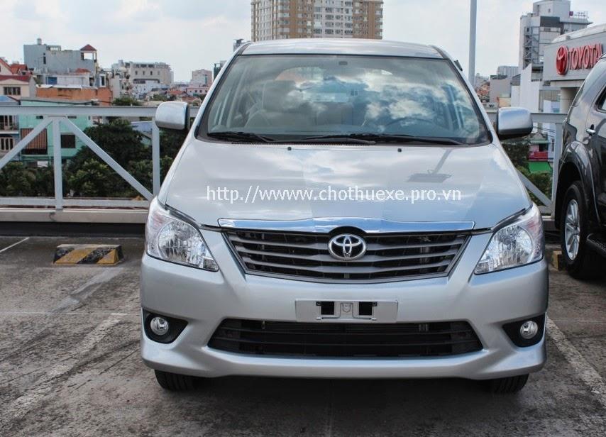 Cho thuê xe Innova 7 chỗ tiễn đón bay tại Hà Nội 1