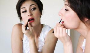 Tips Membuat Bibir Tipis Anda yang Tebal atau Dower