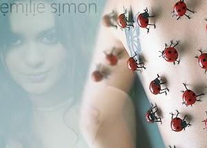 Vem ouvir o som hipnótico, sexy e light da francesa Emilie Simon, que deixa qualquer Lana Del Rey no chão