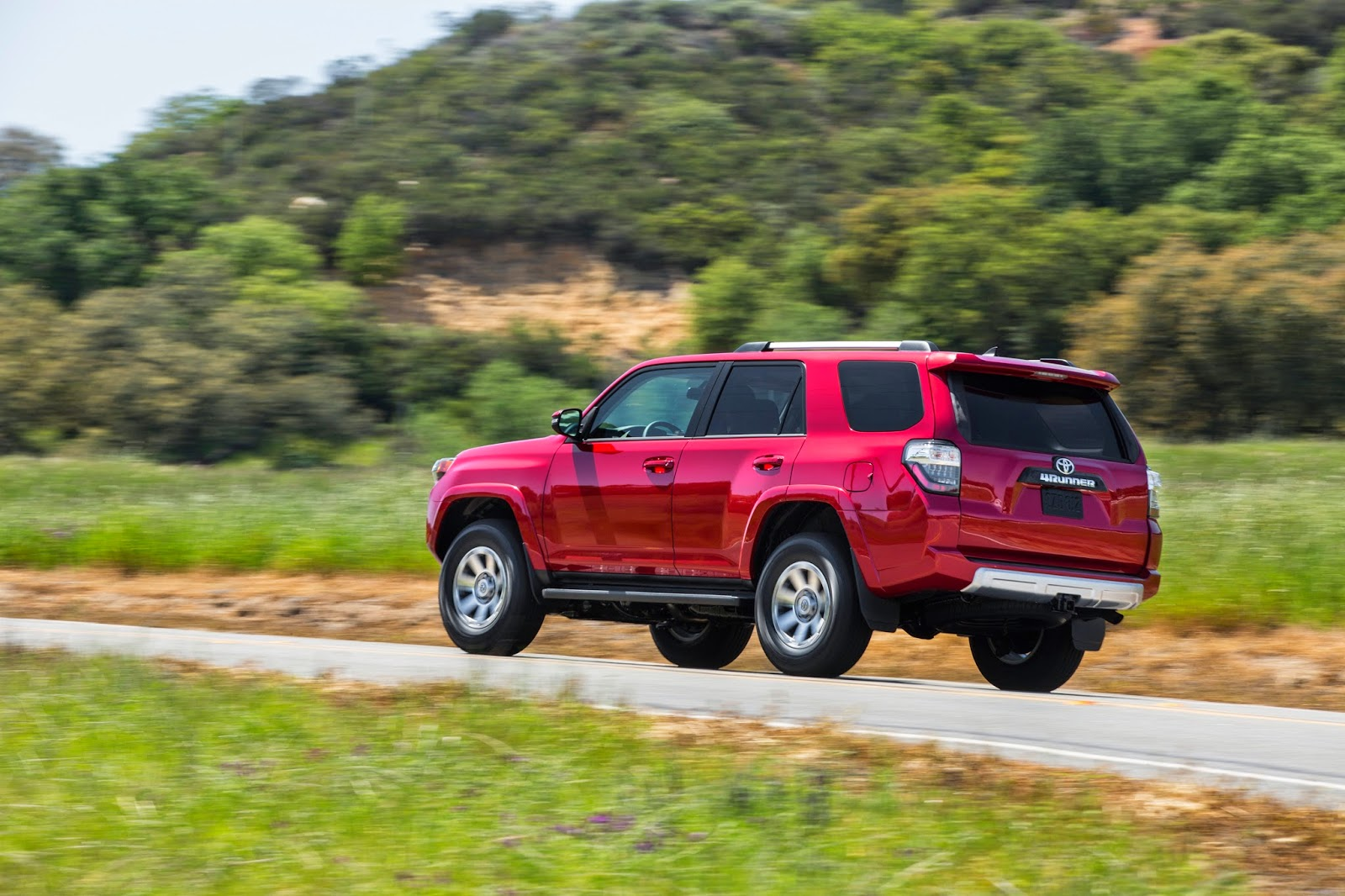 happy trail the 2015 toyota 4runner 4x4 trail premium. Black Bedroom Furniture Sets. Home Design Ideas