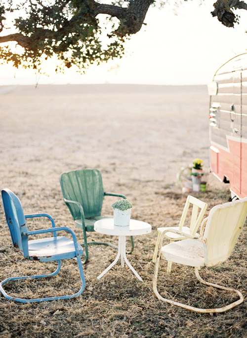 Chairs+outside+a+trailer Coral Caravan Enjoy Cupcakes Styling | Vintage Styling Inspiration