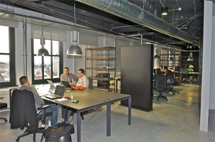 De mercadeo y negocios telef nica inaugura en academia for Oficinas telefonica