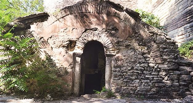 Byzantine Emperor's tomb turning into garbage dump
