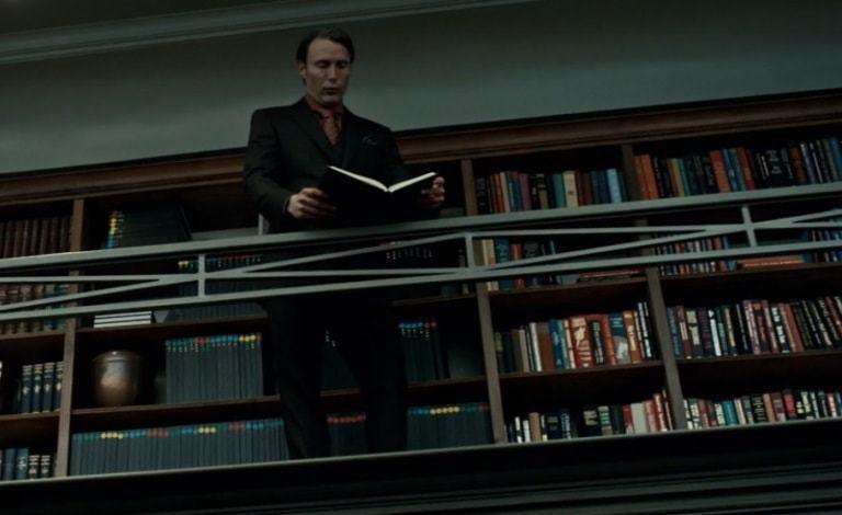 Aníbal Lester leyendo