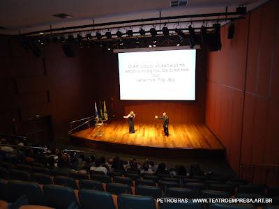 Teatro corporativo na Petrobras