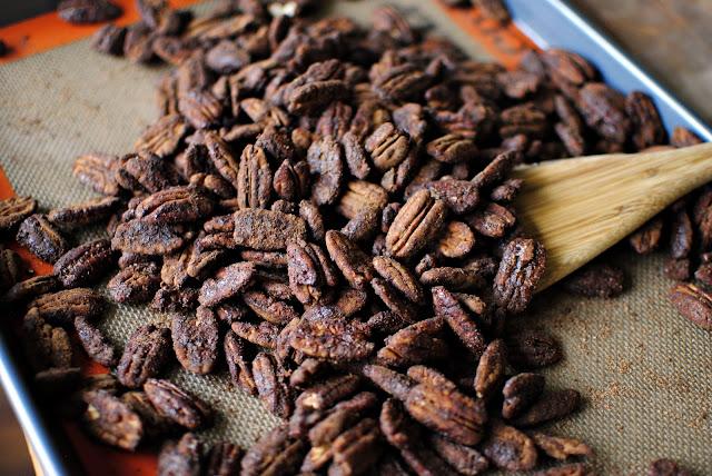 Mexican Hot Chocolate Pecans l SimplyScratch.com