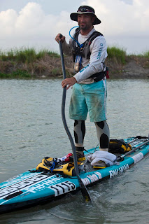 Stand up paddle boarder travels 400 miles