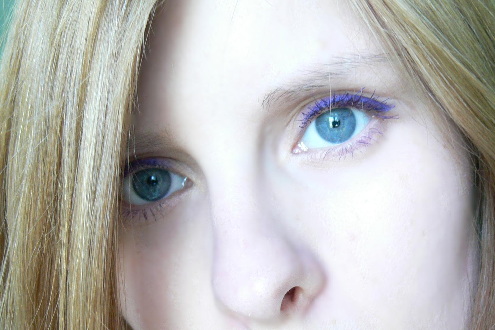 makijaż - fioletowe kosmetyki Avon
