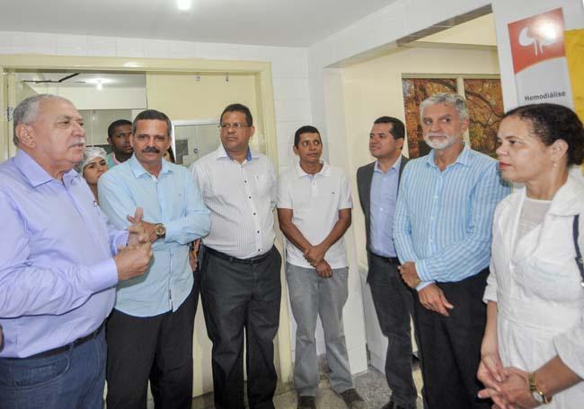 Presidente da FASI Silvane Chaves realiza a entrega do novos serviços no Hospital de Base