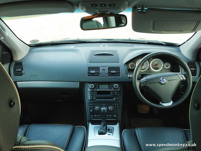 Volvo XC90 SE Lux dash