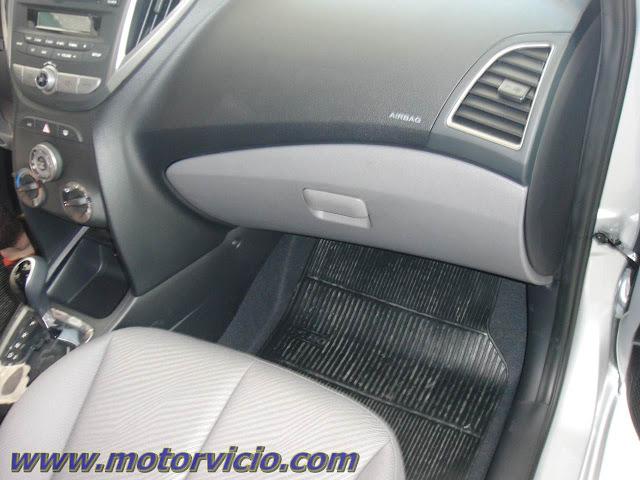 Carro HB20 Hyundai - por dentro