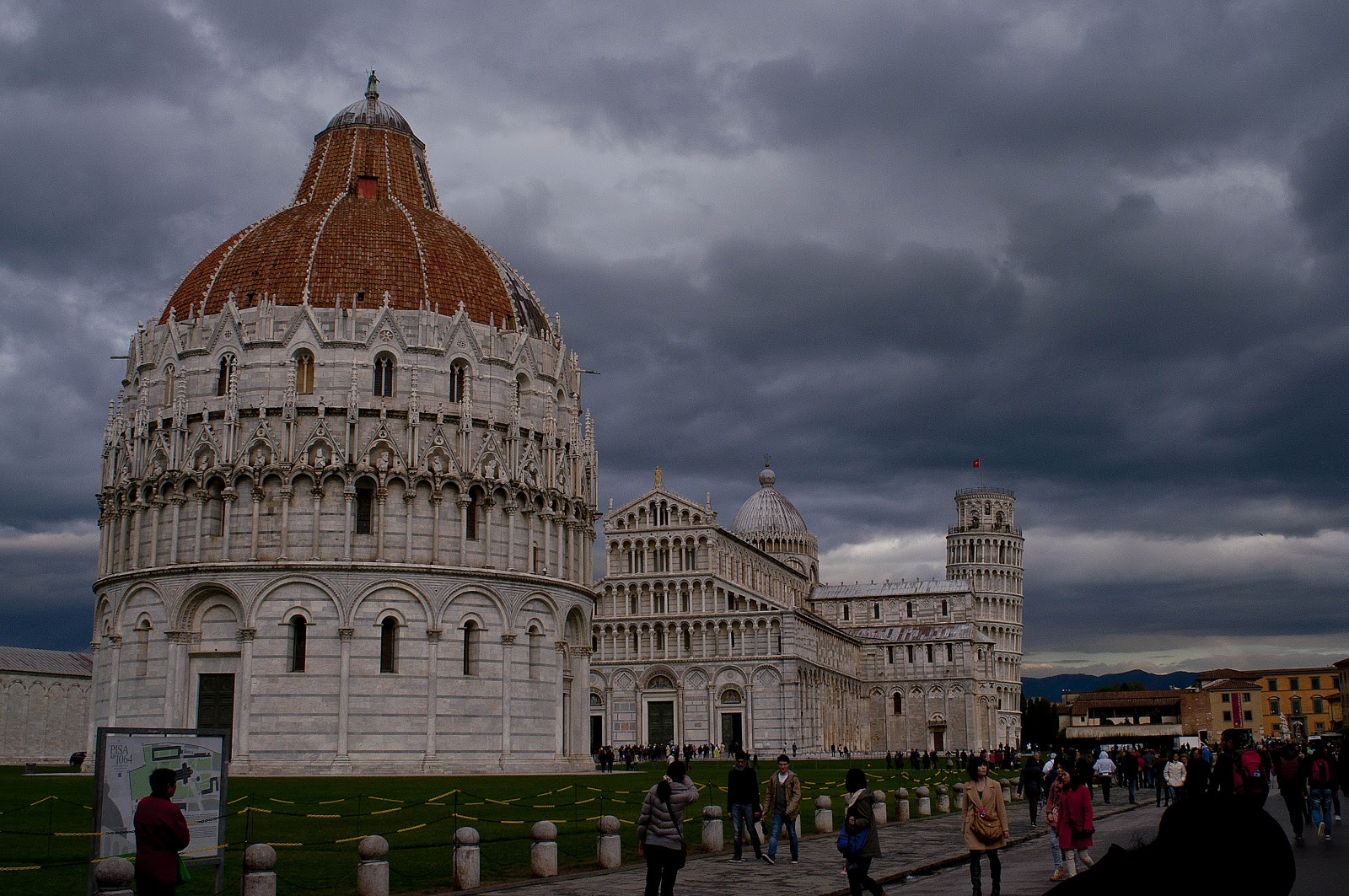 how to get from pisa airport to pisa