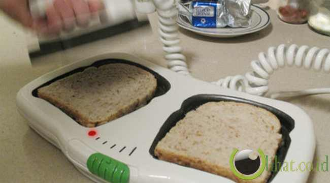 Toaster Design Heart-Attack