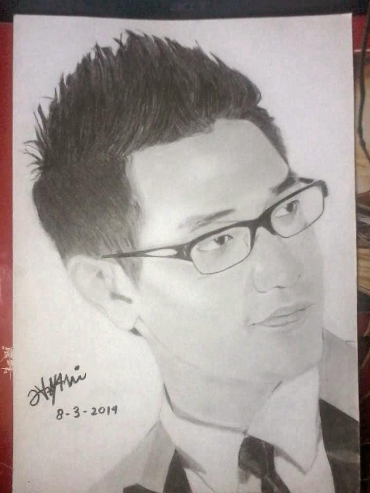 Sketsa wajah hitam putih
