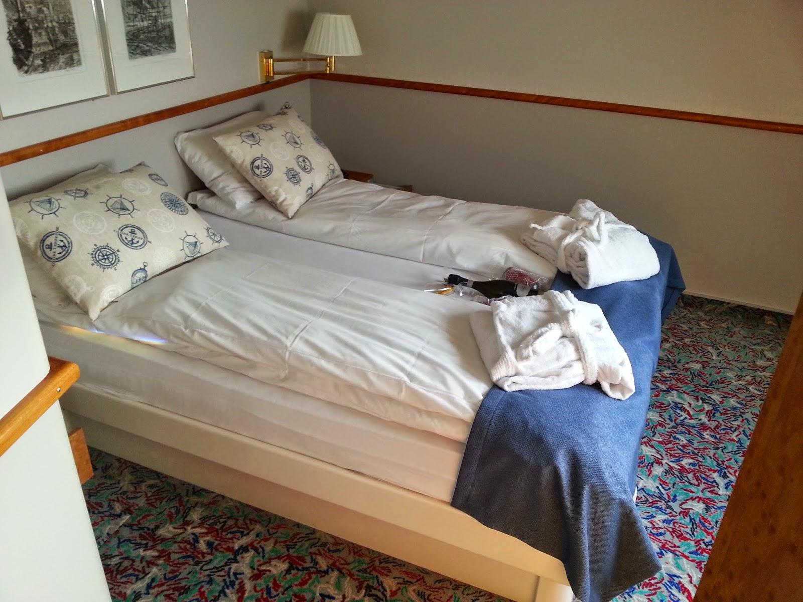 Hurtigruten MS Nordkapp - Suite Bedroom