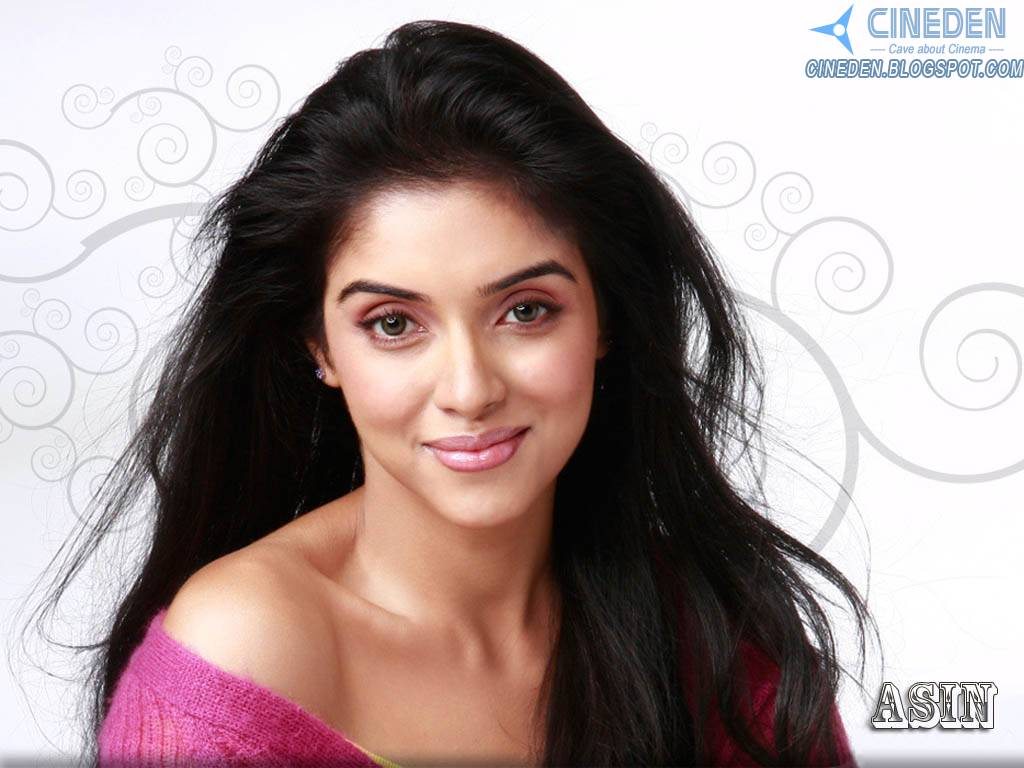 Asin Thottumkal has a Little Fan!