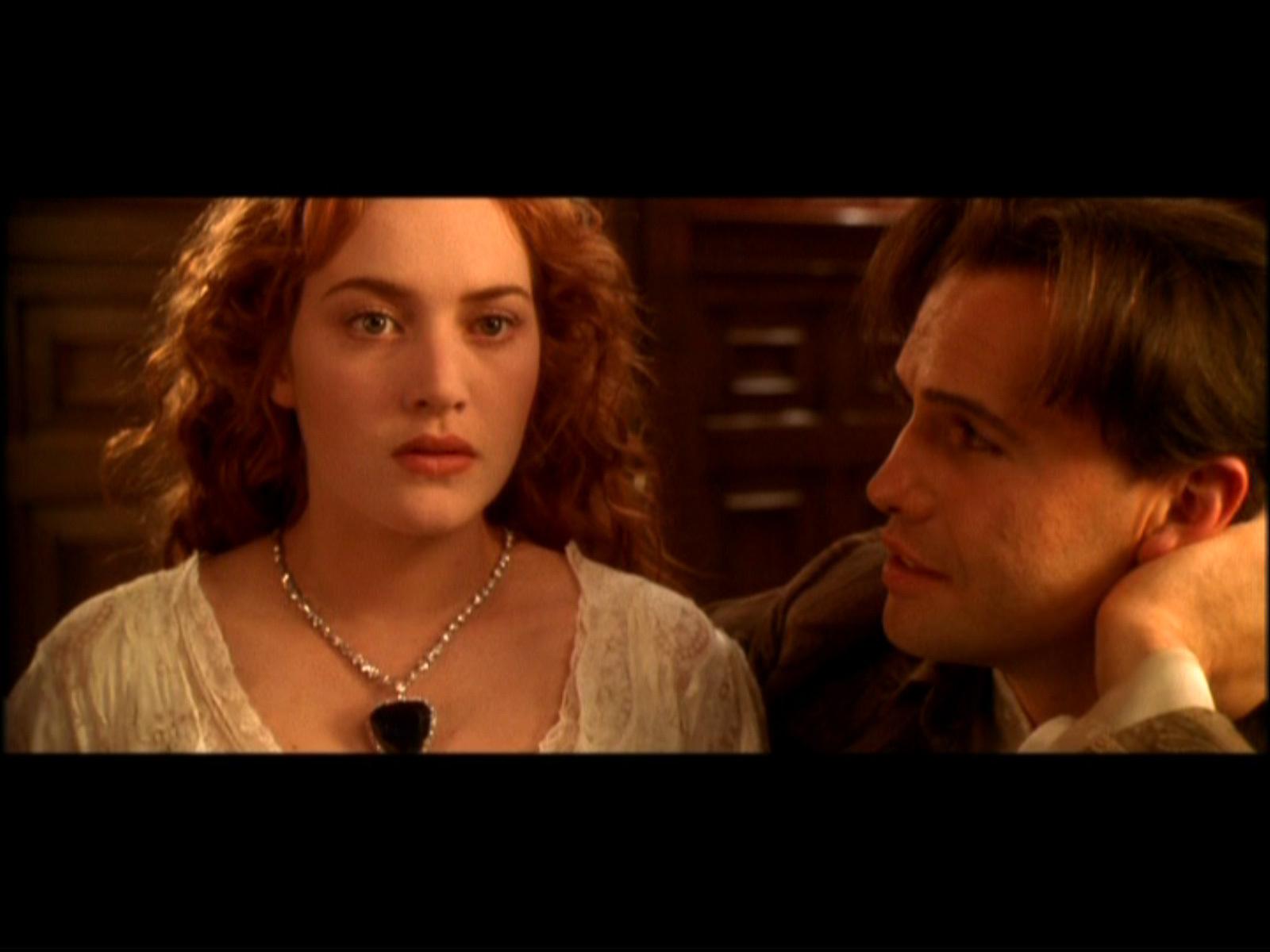 http://2.bp.blogspot.com/-GmssJrEGeRU/T8XqT3zBkAI/AAAAAAAADJU/4-LZhp6bdW0/s1600/Titanic-Kate-Winslet-perla+dell\'oceano+-+gioiello+-+non+si+dice+piacere.jpg