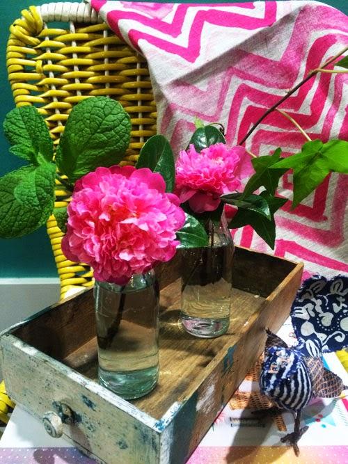 spring flowers via small acorns blog