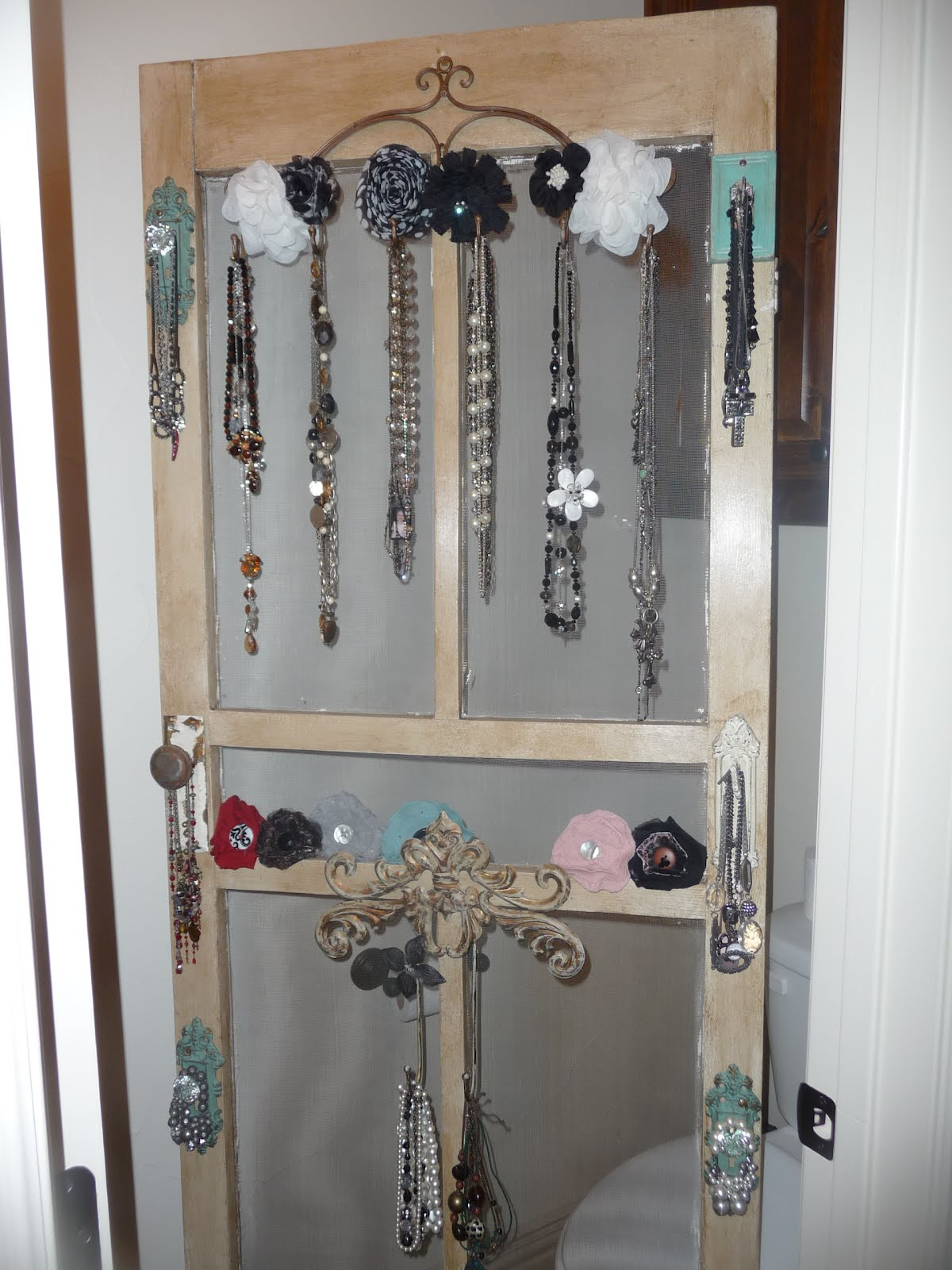 Old Screen Door Turned Jewelry Holder Simply Grace 2