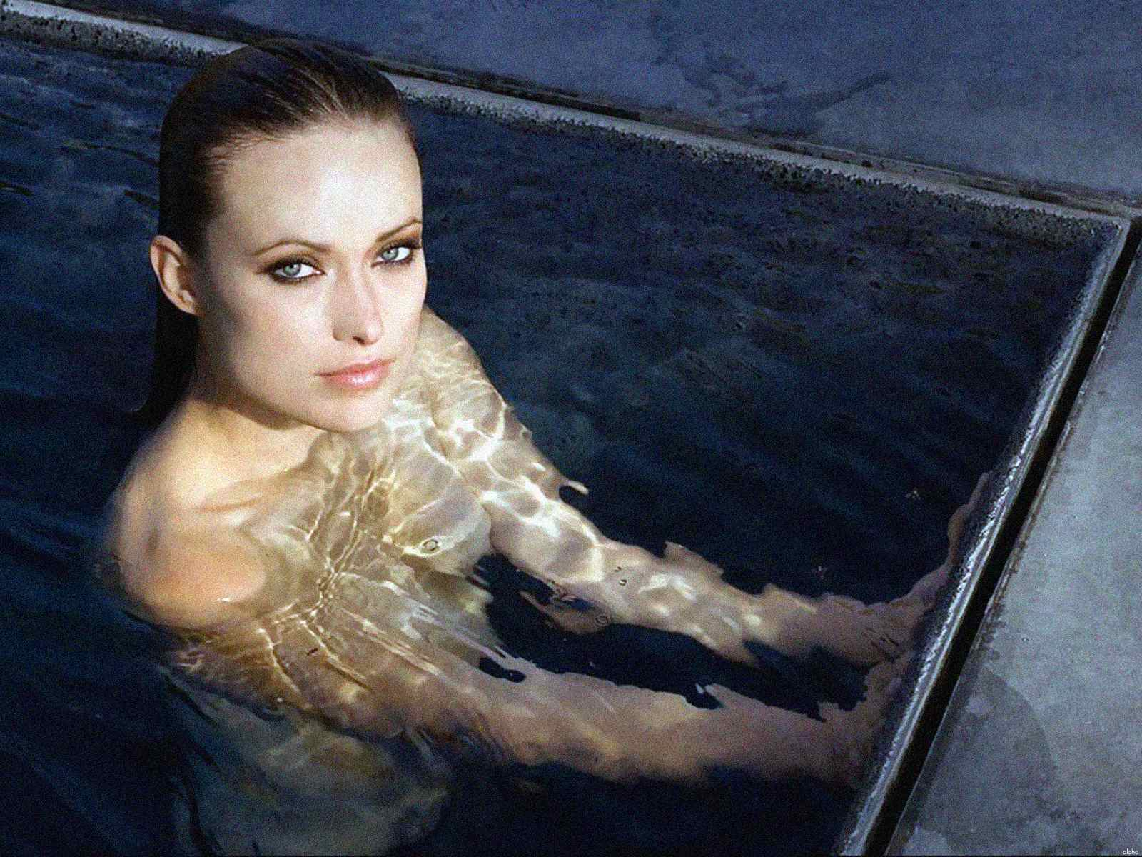 http://2.bp.blogspot.com/-GnLypSjFbis/TXS8L7RcRYI/AAAAAAAAGmc/FXfqzDlGIrw/s1600/celebskin_olivia_wilde_topless_wet_wallpaper.jpg