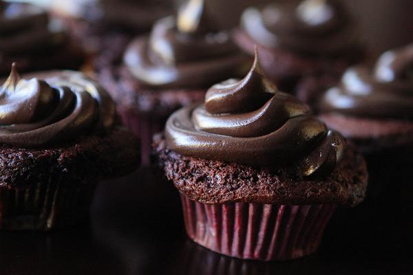 Chocolate Fudge Cake Recipe For Giant Cupcake