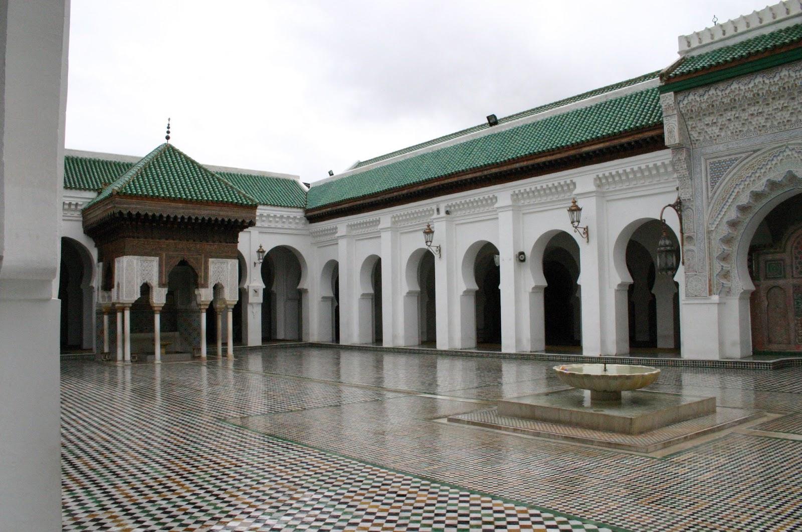 Al-qarawiyyin founded by Fatima Fihria