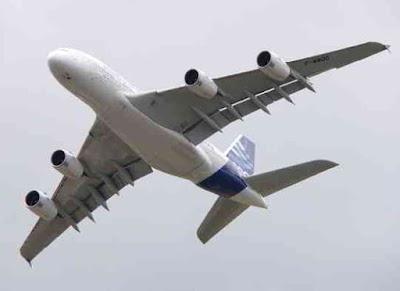 Фото Укринформ: А380 в полёте
